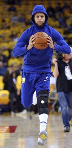 4/14/18, Oakland, Calif. #KlayThompson led all scorers shooting 85% from the field with a game high 27 as warriors rout spurs 113 - 92 in first game, first round of the western conference playoffs. #KevinDurant added 24 points, 8 rebounds, Javale Mcgee added 15 Points and #DraymondGreen posted an almost triple double with 12 Points, 8 rebounds, 11 assists.