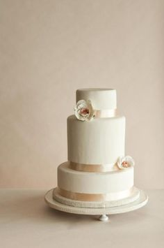 Sweet Rose Gardens / Wedding Style Inspiration / LANE http://www.thelane.com/the-guide/themes/sweet-rose-gardens#