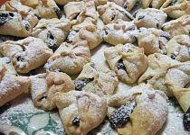 Šátečky z rychlého těsta Cookies, Desserts, Food, Crack Crackers, Tailgate Desserts, Deserts, Biscuits, Essen, Postres