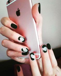 Black beauty of course in matt 🖤