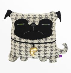 Pug throw pillow with insert 17 x 17 - Decorative handmade black cushion - Dog stuffed toy - Pug and dog lover gift - Houndstooth pattern Softies, Cute Pillows, Throw Pillows, Kids Storage Units, Pug Pillow, Kids Toy Boxes, Kids Bean Bags, Kids Sofa, Kids Bookcase