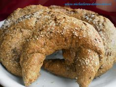 Dobrou chuť: Kruchovky - žitné rohlíky Slovak Recipes, Czech Recipes, Healthy Bread Recipes, Cooking Recipes, Good Food, Yummy Food, Bread And Pastries, Vegan, Bagel
