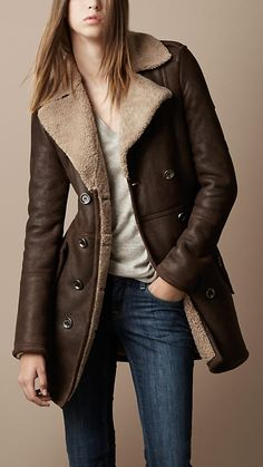 Lovely Winter Leather Jackets Ideas For Women - Winter Outfits, Casual Outfits, Fashion Outfits, Coats For Women, Jackets For Women, Winter Leather Jackets, Cool Coats, Mein Style, Burberry Women