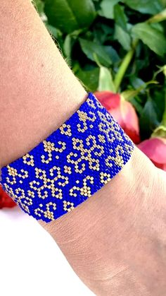 Peyote Beading Patterns, Peyote Stitch Patterns, Beaded Bracelet Patterns, Bead Loom Patterns, Bead Embroidery Jewelry, Beaded Embroidery, Peyote Stitch Tutorial, Beaded Bracelets, Beaded Jewelry