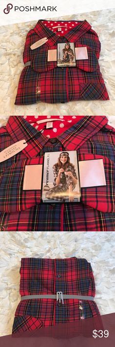 Victoria's Secret Flannel Pajamas NWT Victoria's Secret Dreamer Flannel Pajamas. Size:Small. 3 piece set includes long sleeve pajama top with chest pocket front button closure. long plants & a sleep mask. Multicolored. Very soft & warm! Machine wash tumble dry. NO TRADES. PRICE FIRM. Victoria's Secret Intimates & Sleepwear Pajamas