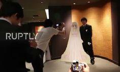 Xem đám cưới giữa người thật và vợ trong game ở Nhật Bản