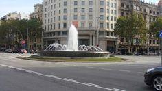 Plaza de Cataluña, Barcelona, España, Elisa N, Blog de Viajes, Lifestyle, Travel Plaza, Statue Of Liberty, Street View, Blog, Travel, Barcelona Spain, Cities, Viajes, Fotografia