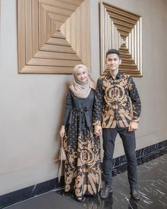 55 Ideas how to dress modestly clothing Batik Muslim, Kebaya Muslim, Muslim Dress, Islamic Fashion, Muslim Fashion, Hijab Fashion, Fashion Muslimah, Kebaya Modern Dress, Kebaya Dress