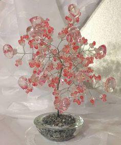 Rosa Enid Cruz Roque: Wire Tree 042 - Big Heart Tree
