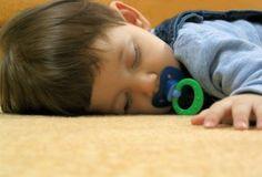 ¿Cómo usar el teléfono para vigilar el sueño del bebé?