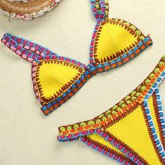 Bikini ganchillo y neopreno - Chicfy Sie Badebekleidungsideen Sie Badebekleidung Ganchillo Knitting For BeginnersCrochet For BeginnersCrochet PatternsCrochet Bag Badeshorts Sports Illustrated, Bikini Inspiration, Crochet Clothes, Crochet Hats, Knit Baby Dress, Colorful Socks, Beachwear, Swimwear, Bikini Workout