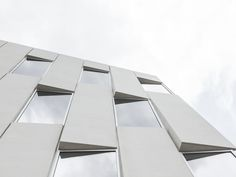 1200 intrepid office building in philadelphia by bjarke ingels is part of office Window Building - bjarke ingels group has completed intrepid', an office building in the US city of philadelphia formed by its existing urban landscape Office Building Architecture, Building Facade, Facade Architecture, Philadelphia, Building Skin, Concrete Facade, Building Elevation, Minimalist Office, Minimalist Architecture