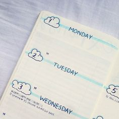@bujo.by.marieke Bullet journal weekly layout cloud theme