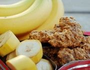 Baby Banana Cookies & TONS of other healthy kids snacks.