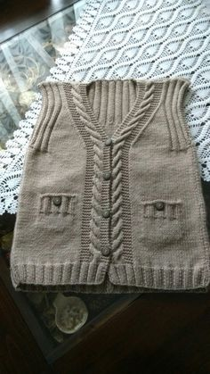 """diy_crafts- This post was discovered by Yildiz. Discover (and save!) your own Posts on Unirazi. """"This post was discovered by Yildiz. Baby Knitting Patterns, Knitting Designs, Baby Patterns, Free Knitting, Baby Boy Vest, Baby Cardigan, Abaya Mode, Patchwork Baby, Knitted Baby Clothes"""