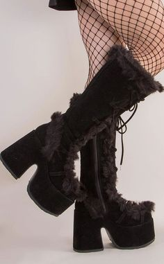 Dr Shoes, Goth Shoes, Funky Shoes, Me Too Shoes, Shoes Heels, Aesthetic Shoes, Aesthetic Clothes, Estilo Indie, Fashion Shoes
