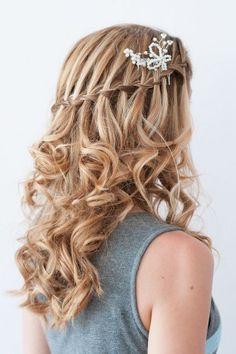 Un peinado romántico y elegante para recibir el 2016.
