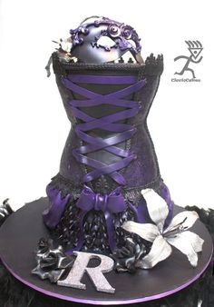 Burlesque - All edible Corset, Violet airbrushed fondant covered with edible lace & sugarveil
