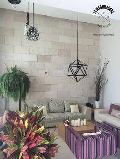 Salas / recibidores de estilo moderno por La Maquiladora / taller de ideas