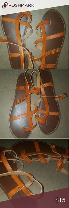 Sandles Orange brown tones toe strap like new Mossimo Supply Co. Shoes Sandals