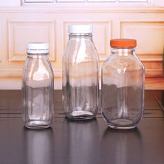China Juice Glass Bottles with Plastic Caps Find details about China Juice Bottle, Glass Bottles from Juice Glass Bottles with Plastic Caps - Xuzhou Shangli Gift Co. Juice Bottles, Bottles And Jars, Glass Bottles, Mason Jars, Boba Smoothie, Juice Packaging, Plastic Caps, Yellow Things, Metal Box