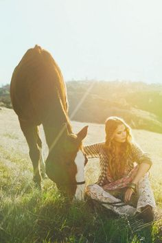 http://pegasebuzz.com/leblog/ | Horse in Fashion by Nicole L. Hill for ThreadSence, spring 2013