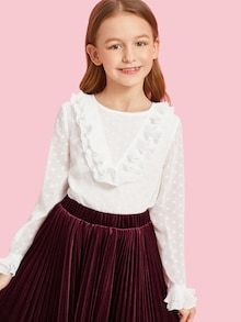 To find out about the Girls Jabot Collar Layered Cuff Dot Blouse at SHEIN, part of our latest Girls Blouses ready to shop online today! Moda Junior, Girls Blouse, Spring Shirts, Blouse Online, White Style, Girls Shopping, Types Of Sleeves, Types Of Shirts, Fashion News