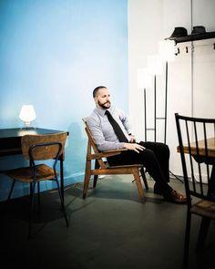 J.-B. BOUVIER : Ancien artiste, Jean-Baptiste est devenu le spécialiste du mobilier d'après guerre. Stand 91, Allee 6, Paul Bert