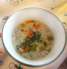 Portuguese Wedding Soup Soup Recipes, Great Recipes, Cooking Recipes, Favorite Recipes, Portuguese Soup, Portuguese Recipes, Portugal, Wedding Soup, Frijoles