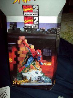 Spider-Man  Marvel Comics Level 2 Glue Model Kit #ToyBiz