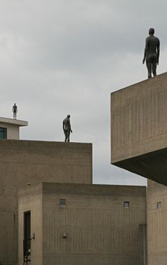 Antony Gormley statues on the roof of the South Bank Centre