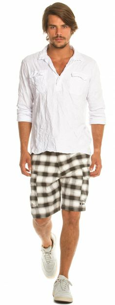 Osklen - BATA MASC UTILITARIA WRINKLE ML - men Cool Outfits, Casual Outfits, Men Casual, Camisa Medieval, Summer Boy, Dressing, Patterned Shorts, Casual Looks, Work Wear