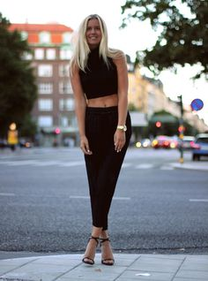 Fanny Staaf • All black: crop top & pants