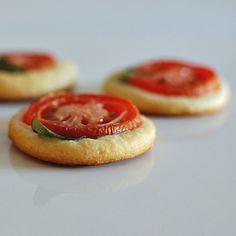 Tomato Tarts from @spabettie So cute!