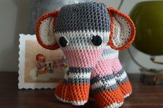 Haakmiek: DIY Olifant Crochet Animals, Crochet Toys, Knit Crochet, Crochet Elephant, Chrochet, Giraffe, Free Pattern, Beanie, Diy Crafts