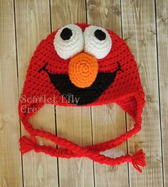 Elmo Crochet Hat pattern by Jamie Huisman This pattern uses worsted weight yarn and US crochet terminology. Knitted Hats Kids, Crochet Baby Hats, Crochet Beanie, Crochet For Kids, Knit Crochet, Crocheted Hats, Crochet Crafts, Yarn Crafts, Crochet Projects