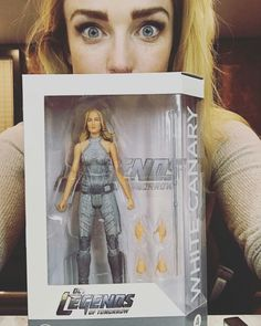 Actors with their action figures is my favorite thing for some reason.Like have you seen Danielle Panabaker holding a Killer Frost action figure? Legends Of Tomorrow Cast, Legends Of Tommorow, White Canary Arrow, Black Canary, Arrow Flash, Girls Run The World, Dc Tv Shows, Killer Frost, English Movies