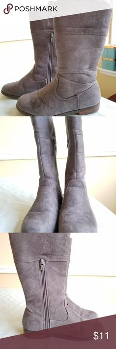 Girl's Gray Faux Suede Tall Boots Size 2 Girl's Gray Faux Sued Tall Boots Size 2 Girl's Boots  Size 2  Gray  Zips up side  Tall Target Shoes Boots