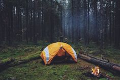 Rise & Shine Photos) - Early mornings have a bad reputation.Everyone wants to sleep in. Nobody wants to wake up early. But then that's modern living, I guess. Camping Life, Tent Camping, Outdoor Camping, Camping Club, Camping Chair, Camping Outdoors, Campsite, Sleeping Under The Stars, Outdoor Survival