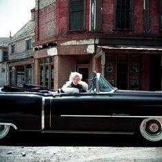 Marilyn Monroephotographedby Milton Greene, 1956. LOVE the car!