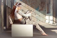 Viento - Mármol    Modelo: Valeria Macadar  Diseño de indumentaria y estilismo: Matilde Aradao  Asistencia de cámara: Camilo Núñez  Foto y post: Araí Moleri