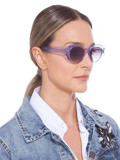 8aa4d8e4aee5f Óculos Feminino Adulto Helena, By Helena Bordon.O óculos lilás é produzido  em acetato. A peça de formato gatinho arredondado possui hastes lisas, ...