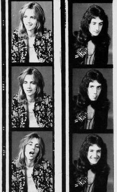 Roger Taylor and John Deacon photoshoot Queen Pictures, Queen Photos, John Deacon, I Am A Queen, Save The Queen, Metallica, Roger Taylor Queen, Queen Meme, Queens Wallpaper