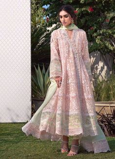 Shop the latest luxury pret collection by Farah Talib Aziz. Stay Classy with trendy Luxury Pret by FTA will surely make you look gorgeous at any event. Party Wear Indian Dresses, Pakistani Dresses Casual, Dress Indian Style, Pakistani Dress Design, Pakistani Bridal, Party Dresses, Anarkali Bridal, Anarkali Dress, Indian Bridal