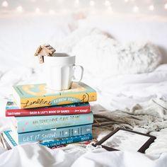 Domingo passado liberei um vídeo indicando 8 livros que se passam no Natal e hoje liberei mais um vídeo indicando mais livros que se passam nessa época do ano (LINK NA BIO)  #25diasdeserendipity