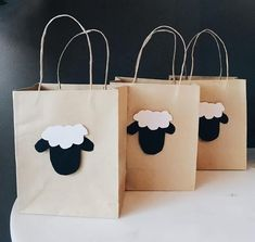 Sheep Eid Gift Bags from Hanae Kabbal. How to Have a Kid-Friendly Eid Party on Zeena Uncovered. #simplyzeena #zeena