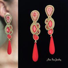 #soutache #fashionstatement #swarovskicrystals #swarovski #statementearrings #earrings #orecchini #cercei #pendientes #handmadejewelry #handmade #fashionstatement #fashionaccesories #fashionaddict #fashionearrings #madeinromania #jewelrydesign #jewelrydesigner #design #jewellerydesign#schmuck