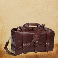 Handmade and fabulous? Yes, please! It just beckons toward adventure, doesn't it? (PS-The different buckles make for lots of packing versatility!) Waterbag - Saddleback Leather Co.