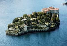 Strand me here. Isola Bella, best known for its spectacular baroque gardens.