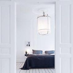Ay illuminate is een Nederlandse ontwerpstudio met een organische stijl. De sfeerlampen zijn mooi te combineren met onze bedlinnen. #bedroom #interior #style #pure #linen #living #scandinavian #pure